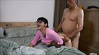 Suckering mature man hd