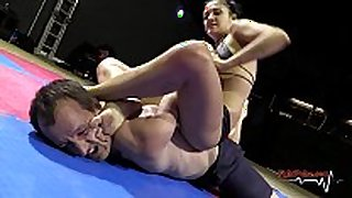 Mixed wrestling match - pumped up messy wench white doxy vs stud (n...