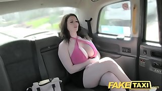 Fake taxi valuable large scoops receive screwed and sucked