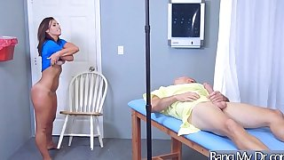 (kelsi monroe) sexually excited patient effortless enticed by doctor acquire nailed clip-14