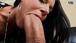 India summer receives her milf bawdy cleft split in 2