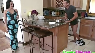 FamilyOrgasm.com - Sneaky Descendant Shacking up Tricky Dad