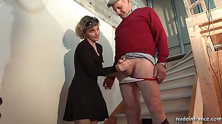 Sex-crazed french mam changeless anal pounded added to facial jizzed in the air Threesome with regard to papy voyeur