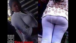 Vieja culona con pantal&oacute_n transparente