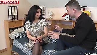 Romanian mediocre Isabella takes deep anal on cam
