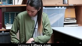 Shoplifting Asian Teen Agrees here Get Fucked By Cop - Lifterx.com