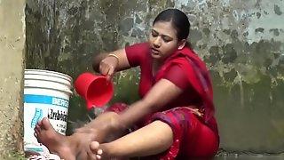 Bangla Bhabi Sexy Hot Bath 4
