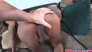 Ebony trans cosset gives bj out of reach of her audition